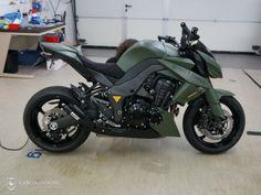 Carcocooning: Motorrad folieren einer Kawasaki Z1000 - Design-Folierung / Grün Matt 01
