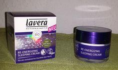 Re-Energizing Sleeping Creme von Lavera. Die Nachtcreme verspricht einen 5 in 1 Über-Nacht-Effekt. Sie unterstützt während der Nacht die natürliche Zellerneuerung und versorgt sie mit Feuchtigkeit …