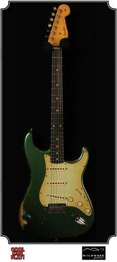 Fender Heavy Relic : 59 Stratocaster Masterbuilt by John Cruz for Wildwood Guitars. Relic'd Faded Metallic Sherwood Green