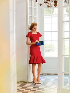 Fit and Flounce Jersey Dress 11/2014- oh my! Deliver me my November issue of Burda Magazine now, i NEED this dress!!!