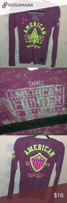 Ladies American Fighter Top - Sz S Good, Pre-owned cond American Fighter long sleeve top V-neck Front/back & sleeve graphics Sz Small American Fighter Tops Tees - Long Sleeve