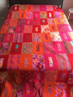 idea for quilt (will use old wool plaids) Bright Quilts, Colorful Quilts, Jellyroll Quilts, Easy Quilts, Scrappy Quilts, Quilting Projects, Quilting Designs, Quilt Modernen, Patchwork Quilt Patterns