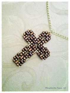 Laudomia Cross Pendant pdf tutorial with rulla beads by 75marghe75