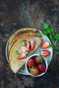 Glutenfrie pandekager   Nem opskrift på pandekager uden gluten Mayonnaise, Pancakes And Waffles, Cantaloupe, A Food, Strawberry, Fries, Gluten Free, Keto, Tasty