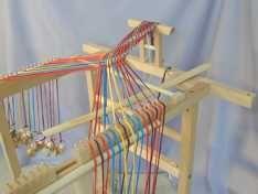 Takadai: Arbeitstechnik Free Tutorials, Clothes Hanger, Weave, Hand Weaving, Classic, Inspiration, Coat Hanger, Derby