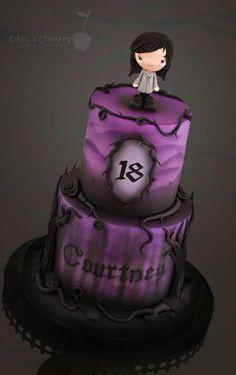 Gâteau gothic mauve et noir
