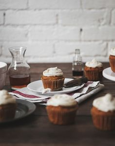 Pumpkin Spice Cupcakes with Maple Bourbon Cream Cheese Icing | Free People Blog #freepeople