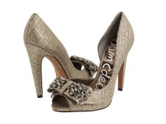 Sam Edelman 'Lorna' Studded Bow Heel in size 7 just in at Swap BR only $34.99!
