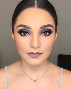 Spring Makeup Looks You Need To Try In Spring Makeup; Makeup Looks; Spring Makeup Looks; Glam Makeup, Makeup Inspo, Eyeshadow Makeup, Makeup Art, Makeup Inspiration, Face Makeup, Teal Eyeshadow, Sleek Makeup, Colorful Eyeshadow