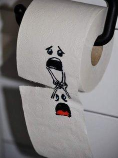 Funniest toilet paper art I have ever seen. Of course, it is the only toilet paper art I have ever seen, but it is still hilarious! Toilet Paper Art, Funny Toilet Paper, Wallpaper Fofos, Hd Wallpaper, Trendy Wallpaper, Thursday Humor, Humor Grafico, Bathroom Humor, Bathroom Art