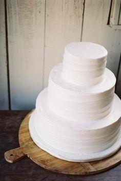 wedding-cake-white-minimal-tiered-simple-vanilla