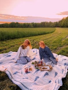28 Aesthetic Summer Vibes Ideas That Inspire - Fancy Ideas about Everything Cute Friend Pictures, Friend Photos, Cute Summer Pictures, Funny Pictures, Shooting Photo Amis, Best Friend Fotos, Shotting Photo, Summer Goals, Summer Aesthetic