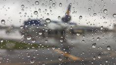 Curitiba/Rio de Janeiro: Aeroporto. Preparação para Decolagem. IMG_0739....