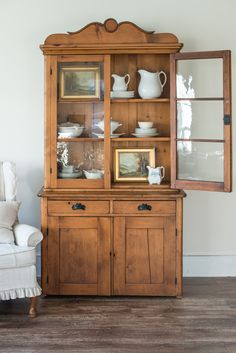 Since I am moving out of the South Central PA area, I am sharing some of the shops, co-ops, and antique malls I frequent as I'm getting ready for an antique market or online sale. This isn't an extensive list of all of the amazing shops in my local area, but these are the ones on my regular shopping circuit. ... Read More