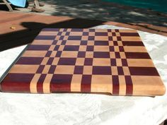 End grain cutting boards (with special mistakes) End Grain Cutting Board, Diy Cutting Board, Wood Cutting Boards, Butcher Block Cutting Board, Woodworking Shows, Woodworking Clamps, Woodworking Projects, Wood Worker, Wood Design