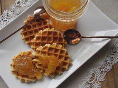 Με το δάχτυλο στο βάζο: Μαρμελάδα ανανά-μάνγκο-ροδάκινο-τζίντζερ Waffles, Homemade, Breakfast, Diy, Food, Morning Coffee, Home Made, Bricolage, Essen