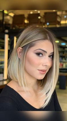 Looking for hairstyles perfect for oval, square, or heart-shaped faces? Latest-Hairstyles has 14 popular blunt bob haircuts. Just click the image to see all. Photo credit: Instagram (Photo credit IG @rafaelbertolucci1) Blunt Bob Haircuts, Blunt Cuts, Latest Hairstyles, Face Shapes, Short Hair Cuts, Photo Credit, Faces, Popular, Lady