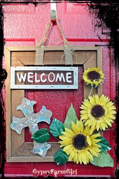 pictures from junk gypsy episode with screen door | GypsyFarmGirl: Picture Frame Wreath