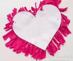 Cómo hacer un cojín corazón sin costuras - Guía de MANUALIDADES Diy Crafts, Detail, Crochet, Ideas Para, Inspiration, Nice, Bottles, Throw Pillows, Molde
