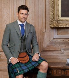 Martin Lowe in a kilt Scottish Clothing, Scottish Fashion, Scottish Kilts, Scottish Dress, Kilt Wedding, Wedding Men, Scotish Men, Men In Kilts, Kilt Men