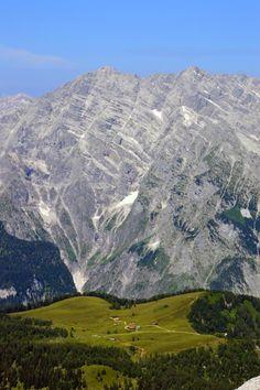 Die Gotzenalm vor der Watzmann-Ostwand, Bavaria