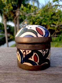 FES-Moroccan-Hand-Painted-Pottery-Box-w-Brass-Trim-SIGNED-2-x-2-5