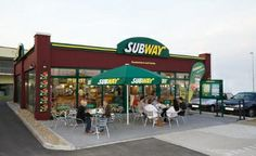 The SUBWAY® restaurant chain, which celebrated record breaking growth in is poised to open about new locations worldwide this year. Technology Magazines, Food Technology, Healthy Foods To Eat, Healthy Recipes, Fast Food Restaurant, Around The Worlds, Restaurants, Outdoor Decor, Chain