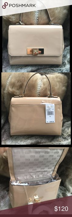 Michael Kors nude satchel Super nice classy nude color satchel. Flap top back slide pocket. Gold tone hardware. Beautifully lined with Mk logo.Goes with everything ♥️ Michael Kors Bags Satchels