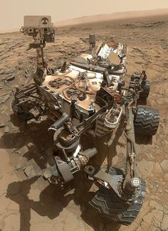 As NASA's Mars rover Curiosity makes its way up the central peak of Gale Crater, it has been gathering evidence from ancient lake beds and long ago groundwater environments that are promising for life. Curiosity Rover, Curiosity Mars, Cosmos, Mars Science Laboratory, Life Science, Earth Science, Selfies, Space Coloring Pages, Astronomy
