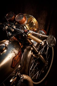 #steampunk bike Love the brass and bronze works on this bike