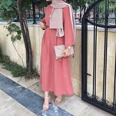 Hijab Fashion Summer Chic 2019 - Hijab Fashion and Chic Style - Hijab Fashion Summer Chic 2019 – Hijab Fashion and Chic Style Hijab Fashion Summer, Abaya Fashion, Muslim Fashion, Modest Fashion, Fashion Outfits, Fashion Jobs, Fashion Ideas, Girl Fashion, Fashion Trends