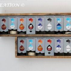 Distributeur étagère mural galy pour boites à capsules tassimo en bois flotté et recyclé par home creation