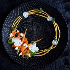 Here's another submission for orange purée dish: Carrot, pumpkin puree, cauliflower, brussels sprout, pickled daikon radish, wood sorrel and goat cheese by talented @lvin1stbite #GourmetArtistry  Refer to our previous post for tutorial on purée techniques.