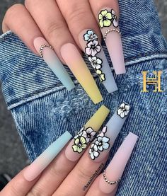 Modern Long Nails Style & Images for 2020 Bling Acrylic Nails, Acrylic Nails Coffin Short, Summer Acrylic Nails, Best Acrylic Nails, Pastel Nails, Rhinestone Nails, Coffin Nails, Gel Nails, Cute Acrylic Nail Designs