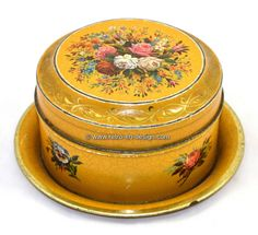 Brocant old tin drum with plate Brocant old tin drum.   Antique brocant hand painted tin or drum with hinged lid. Complete with matching plate. Beautifully old fashioned dark yellow model decorated with roses and other flowers. In a vintage / antique condition.  http://www.retro-en-design.co.uk/a-45509846/tins/brocant-old-tin-drum-with-plate/
