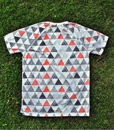 Camiseta Running triangles triangulos Hoopoe Running Apparel. #hoopoerunning #triangles #fancyshirts #runwithstyle