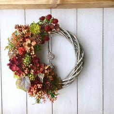 Ornament Wreath, Grapevine Wreath, Ornaments, Art Floral, Floral Crown, Dry Flowers, Amai, Mesh Wreaths, Grape Vines