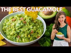 How to make the BEST EVER Guacamole. An authentic guac recipe loaded with avocados, tomato, onion, cilantro, and plenty of lime juice. The only guacamole recipe you'll need! Spicy Guacamole Recipe, Homemade Guacamole, Guacamole Salad, Mexican Dishes, Mexican Food Recipes, Ethnic Recipes, Juicy Meatball Recipe, Kitchen Recipes, Sauces