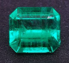 Natural Colombian #Emerald octagon weighing 3.48 cts