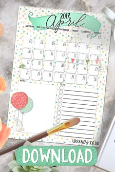 Free Printable Calendar for April 2017 - download this freebie and plan your Easter! :) {newsletter subscription required}