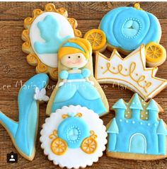 Cinderella cookies Galletas Cookies, Iced Cookies, Royal Icing Cookies, Cookies Et Biscuits, Sugar Cookies, Cookies For Kids, Cute Cookies, Princess Cookies, Cookie Crush