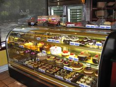 Finale Desserterie & Bakery is a Restaurant in Boston. Plan your road trip to Finale Desserterie & Bakery in MA with Roadtrippers. Rolo Cookies, Peanut Butter Cup Cookies, Candy Cookies, Chocolate Cookies, Rice Krispie Treats, Rice Krispies, Places In Boston, Favorite Candy, Candy Corn