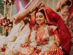Bengali Bridal Makeup, Bengali Wedding, Bengali Bride, Bridal Photography, Photography Poses, Mehndi Hairstyles, Wedding Function, Posing Guide, Saree Look