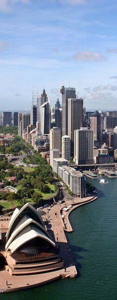 Australia es un lugar en el que siempre he querido viajar,me parece una tierra sana y llena de alegria.