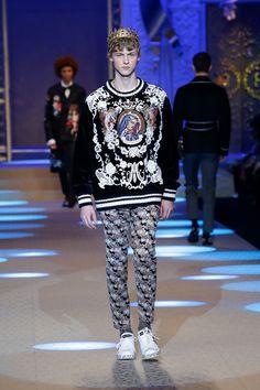 Dolce & Gabbana Fall Winter 2018-19 Menswear Fashion Show on Dolcegabbana.com.