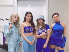 """190322 RBW Mamamoo : [MAMAMOO] """"Moomoos moving out to MuBank to see Mammoo is complete! Moomoos, they said today's a cold snap😂 In the cold wave let's all tune in to Music Bank warmly at home📺 Thankmoo to the moomoos who came to cheer for us🤔. Stage Outfits, Kpop Outfits, K Pop, South Korean Girls, Korean Girl Groups, Divas, Mamamoo Kpop, Interview, Solar Mamamoo"""
