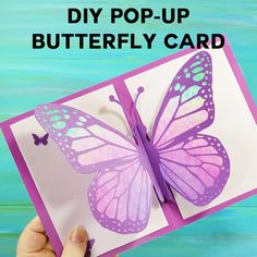 Make this easy butterfly card! This step-by-step tutorial and free pattern let's you make a gorgeous pop-up butterfly card -- perfect for Mother's Day, birthdays, and get well cards. This is a simple pop up card with big appeal. Pop Up Flower Cards, Butterfly Cards, Pop Up Cards, Butterfly Template, Butterfly Dragon, Monarch Butterfly, Crown Template, Butterfly Mobile, Heart Template