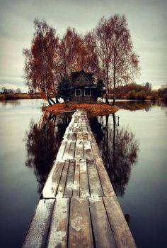 Artık insanın ayak basmadığı topraklar.Finlandiya'da bir ada evi