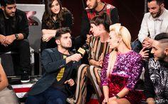 Leonardo Decarli intervista Emma Morton nel #backstage del quinto live di X Factor. #Outfit #Atpco. #xfactor