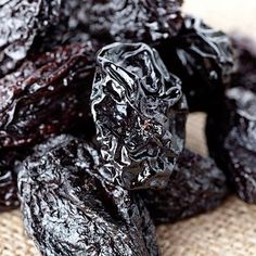 Prunes: Potassium-rich foods can lower the risk of high blood pressure, stroke, and heart disease. Here's how to get more potassium in your diet. Health And Fitness Tips, Health And Nutrition, Health And Wellness, Health Tips, Nutrition Tips, Dried Prunes, Stewed Prunes, Dried Apples, High Potassium Foods